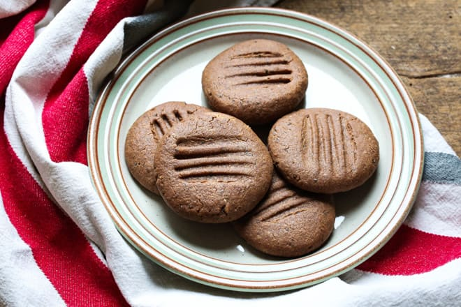 Chia Chocolate Cookies - just 5 ingredients and a delicious texture make these vegan and gluten free cookies the perfect anytime snack. Satisfying both peanut butter and chocolate cravings - both very real things right? | thecookandhim.com