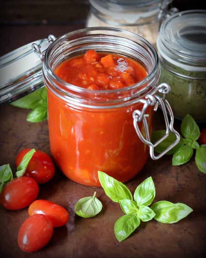 Marinara Sauce - Vegan & Gluten Free | thecookandhim.com