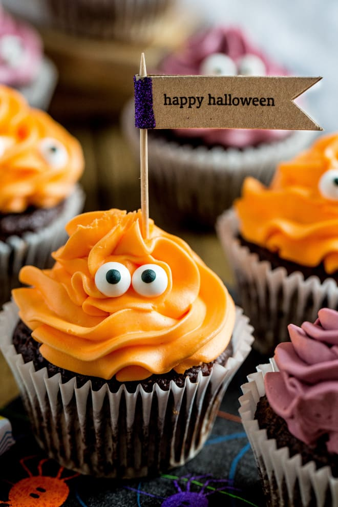 These spooky cute Death by Chocolate Cupcakes with devilishiously dark vegan chocolate and supernaturally sweet vegan frosting are a super easy Halloween recipe! #halloweenrecipes #veganhalloween #veganbaking #chocolatecupcakes | Recipe on thecookandhim.com