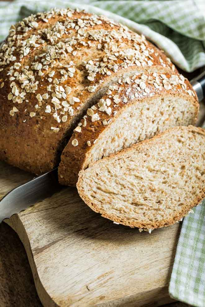 Learn all about how to make your own bread with this easy to follow guide - plus you get an oaty wholemeal loaf to enjoy at the end! #howto #homemadebread #breadbaking | Recipe on thecookandhim.com