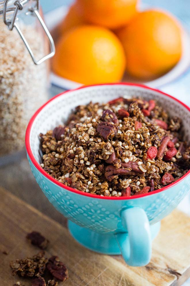 Vegan and gluten free this gingerbread granola makes the perfect healthy topping to your festive breakfast! Sprinkle on porridge, overnight oats, yoghurt and more! #gingerbread #veganbreakfast #granola #homemadegranola #healthygranola #sugarfree