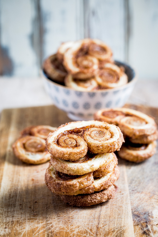 These sweet, spiced orange palmiers (or elephant's ears!) are SO easy to make and need just a few ingredients. They're light, crispy and so so moreish! #palmiers #puffpastry #elephantears #howtomake #easy #vegan | Recipe on the cookandhim.com