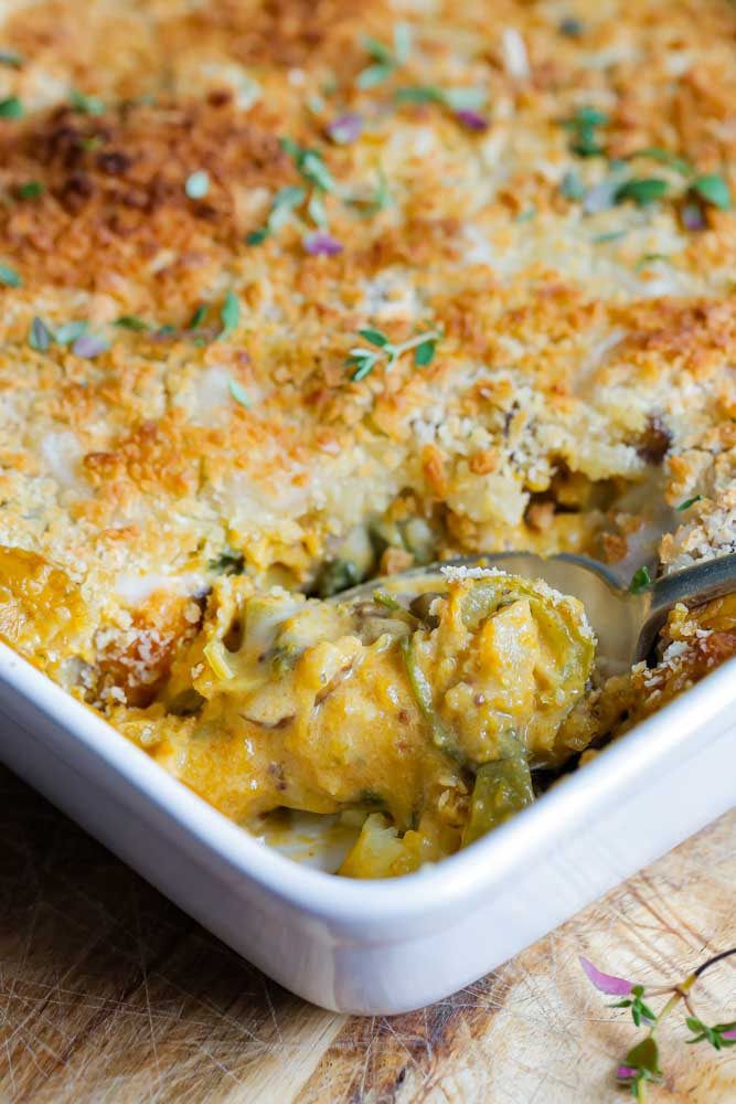 This vegan gnocchi bake is cosy, comfort food heaven that's easy, cooked in one pan and totally delivers on warming, delicious flavours! Recipe on thecookandhim.com   #vegan #veganmeal #veganrecipe #autumnrecipe #fallrecipe #gnocchi #gnocchibake